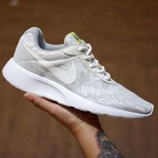 Nike Tanjun Floral White
