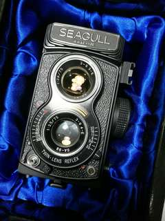 New old stock seagull 4A 107 TLR film camera