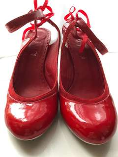 Red lacquer high heel/ 紅色漆皮高跟鞋