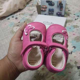 Pink shoes baby Clarks (New)