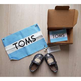 Toms Classic Mary Jane Pewter Glitter in Tiny Metallic