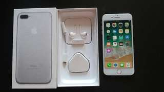 "99% sliver colour iPhone 7 plus 128gb, Hong Kong zp version,  full set with box.open line  5.5"" 100% original, like new, 100% working & good battery, full set new accessories, 7 days warranty.   5.5寸99% 新無花 銀色 iPhone 7 plus 128gb,港行zp, 100%全正常及電池良好,7天保養。"