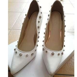 Vincci women heels