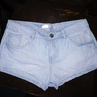 Dirty white shorts