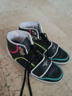 Rubber shoes high cut