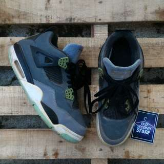 Airjordan 4 retro glow in the dark