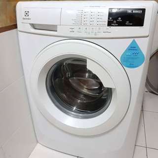 90% new Electrolux Front Load 7.5KG (delivery available JB, Skudai area)