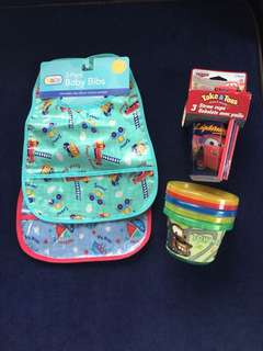Set of 2 Wipe-off Bibs & Disney Cars Take-and-Toss cups