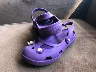 crocs sandle for gurl