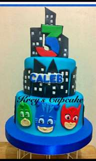 Personalized cakes and cupcake