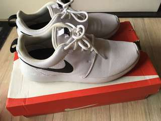 🚚 Nike  球鞋24.5