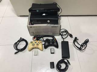 XBOX 360 full set with 2 Controllers
