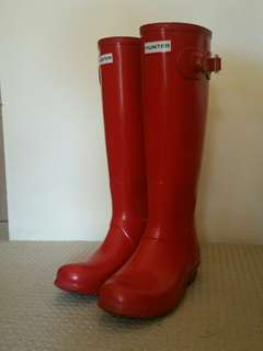 Pink Hunter boots priced for a quick sale