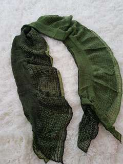 Green accent scarf