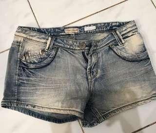 Jeans murah meriah