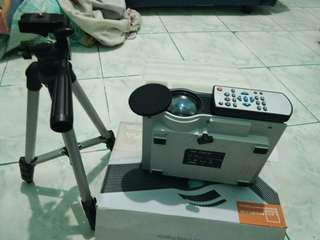 Hd projector w/ stand