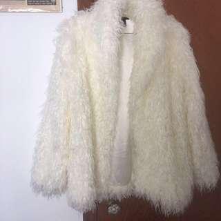 Off white brunette the label faux fur coat( brand new)