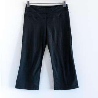LULULEMON Capri yoga pants Size 4 stretch wide leg fitness gym workout exercise