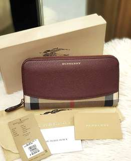 Burberry Zip Wallet ❤️BIG SALE P29k ONLY❤️ Bought at P40,500 Slightlu used. Good as brand new! With tag cards dustbag and box Swipe for detailed pics  Cash/card/layaway accepted