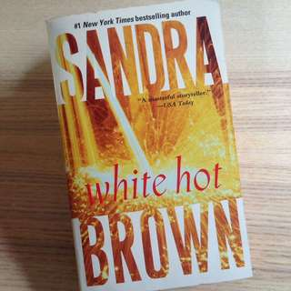 White Hot - Sandra Brown