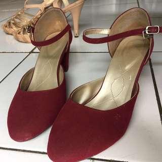 Sepatu semi pantofel
