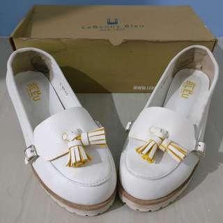 [LeBunny Bleu] White shoes with interchangeable tassle detail (mint & yellow)