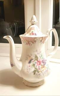 ROYAL ALBERT RARE SERBITY TEAPOT /COFFEE POT
