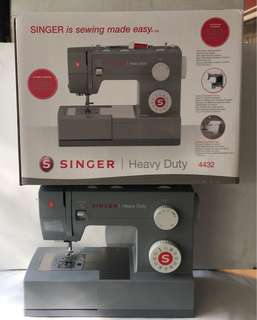 Singer sewing machine heavy duty 4432 brand new