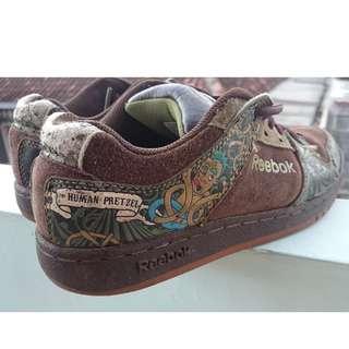 Reebok Kid Sneakers The Human Pretzel