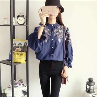 🚚 SALE!! INSTOCK / EMBROIDERED PUFF SLEEVE SWIRL EMBROIDERY SHIRT IN NAVY BLUE