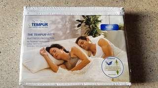 Tempur Waterproof Mattress Protector - Queen size
