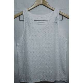White eyelet top ▪ small - medium ▪ used once only ▪ still in excellent condition