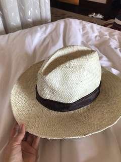 Topi Exclusive dari StRegis hotel Bali