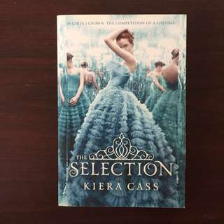 THE SELECTION by Kiera Cass (Paperback)