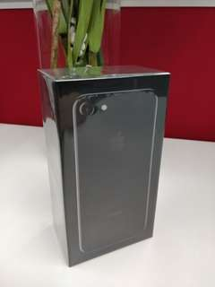 Apple iphone 7 128GB Jet Black (demo unit) brand new 官方展示機 全新未拆封