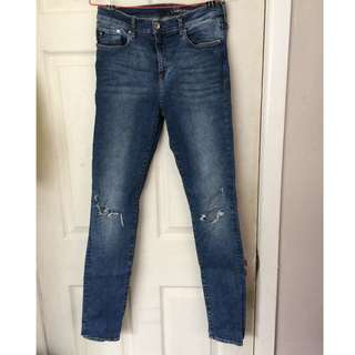 H&M high waited skinny jeans with knee rips
