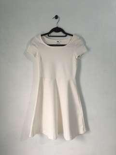 Uniqlo white short sleeve dress