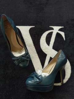 ~ Zu ~ Gorgeous Heels ~ Brand New ~