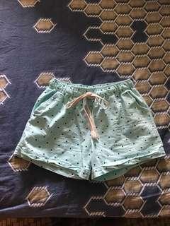 🚚 Peppermint polka dot drawstring shorts