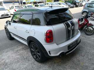 Mini Cooper county man