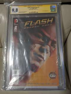 Flash: Season Zero #1 Photo Cover CGC SS 9.8 Grant Gustin!