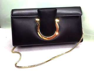 Ferragamo  Gancini Clutch Bag 黑色 Size:24 x 12 x 5cm 意大利製 有塵袋 Real and New