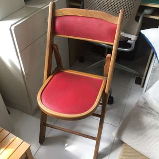 Vintage foldable wooden chair