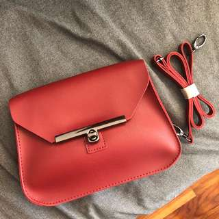 Messenger cross body small handbag maroon/red