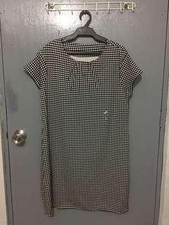 Plus-size dress (fits xl - 3xl)