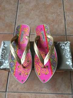 Grendha slippers - Sz 36 ( Authentic)