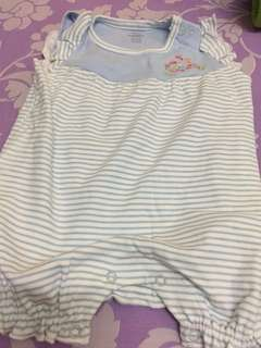 Baby suit 6-12 months ( newborn can wear too)