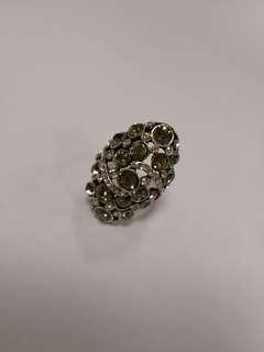大號指環Bing Bling灰色水晶介指~,特大SIZE 適合粗手指及帶於姆指或食指上
