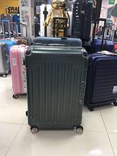 阿豪 本週新貨 台灣品牌 dESEÑO 初來報到 經典款 LEGEND III 系列24吋 行李箱 現貨發售
