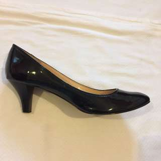 Charles & Keith Black Patent Heels - size 40